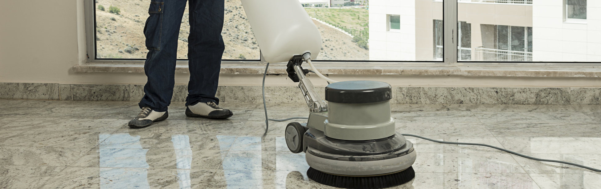 how to sell commercial cleaning services